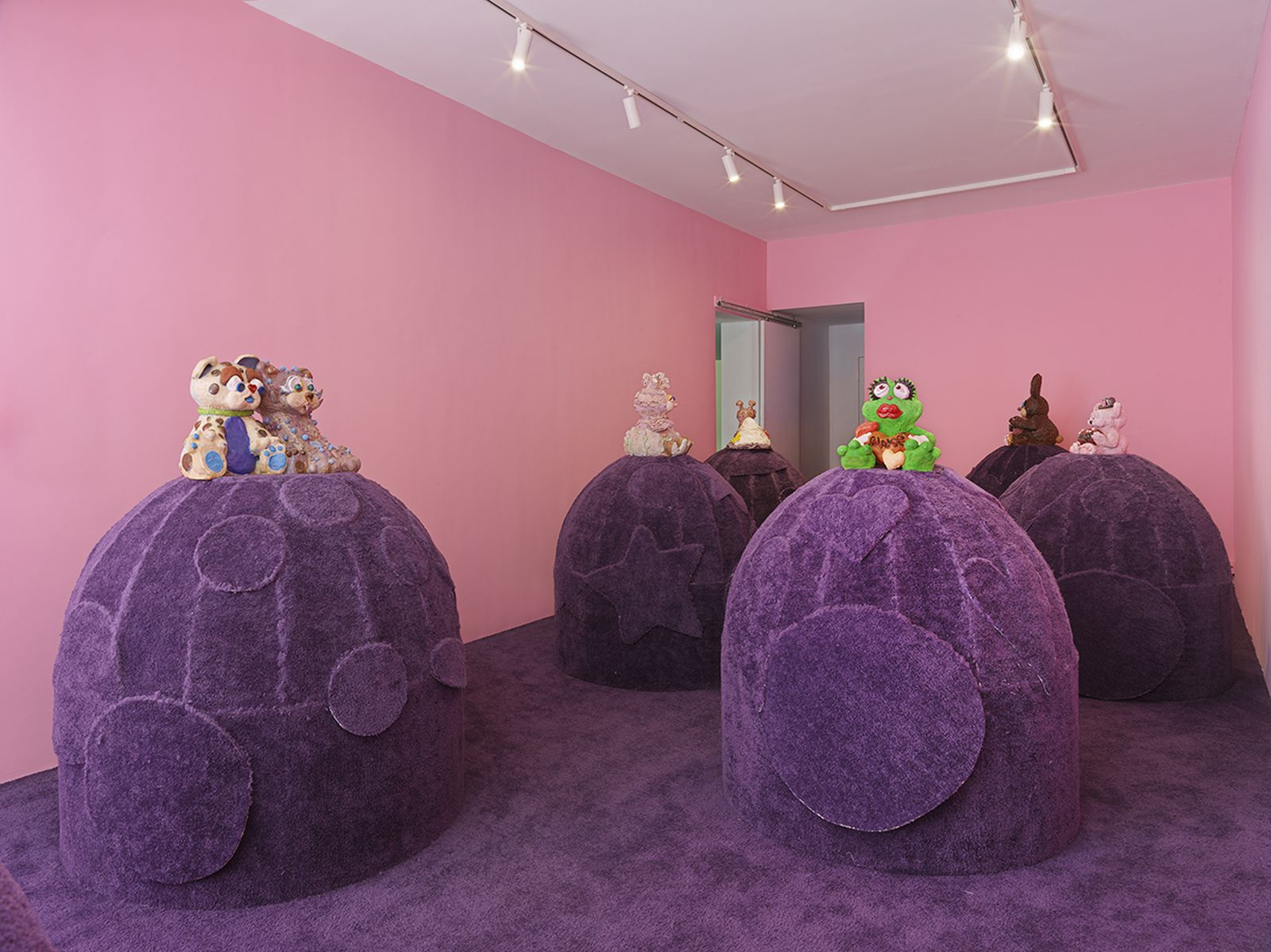 Installation views, Alake Shilling: The Hippest Trip in America - By Land, Air and Sea  •  2021